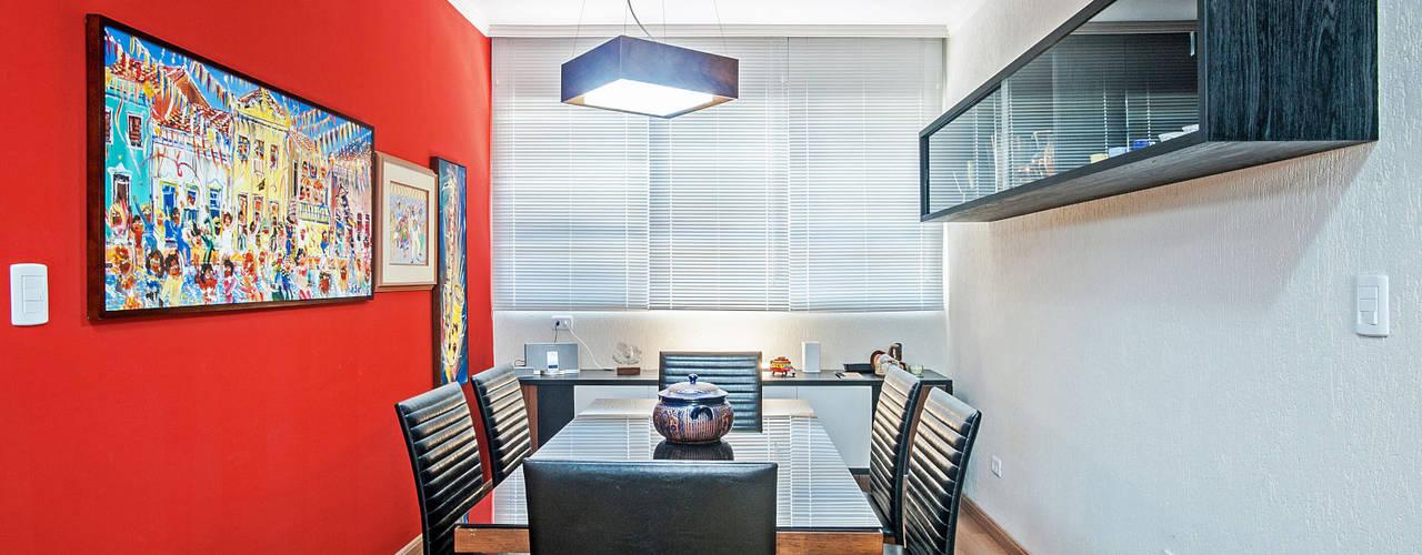 Apartamento 13 Salas de jantar tropicais por Patrícia Azoni Arquitetura + Arte & Design Tropical