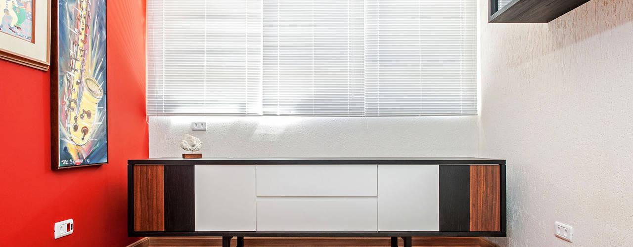 Patrícia Azoni Arquitetura + Arte & Design Столовая комната в тропическом стиле