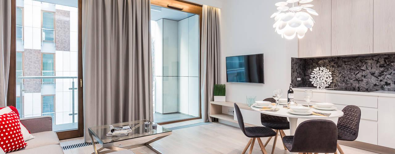 Apartament w Warszawie: styl , w kategorii Salon zaprojektowany przez Michał Młynarczyk Fotograf Wnętrz
