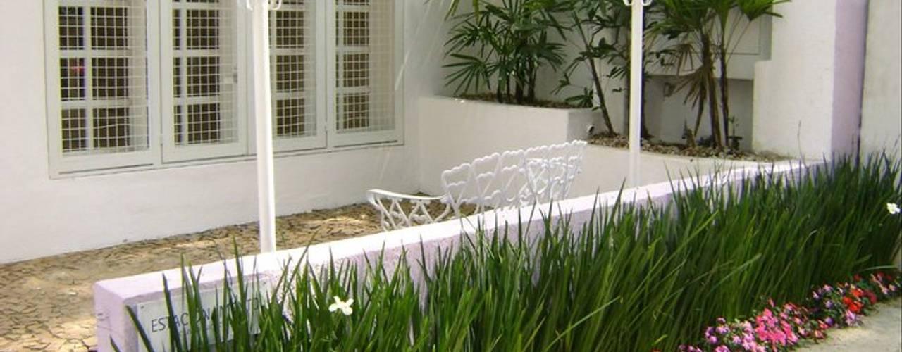 Jardin de style  par MC3 Arquitetura . Paisagismo . Interiores,
