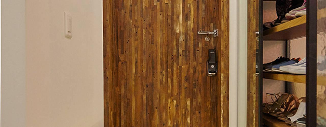 homify Industriële gangen, hallen & trappenhuizen