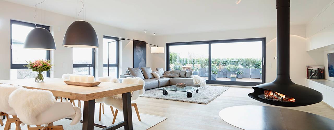 Penthouse Moderne Wohnzimmer von HONEYandSPICE innenarchitektur + design Modern