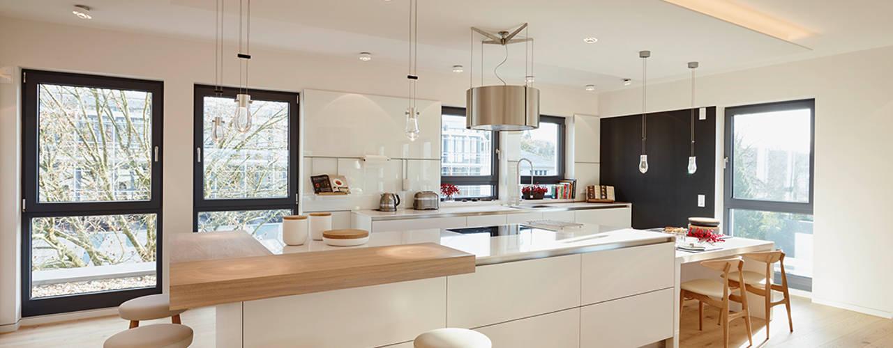 Penthouse:  Küche von HONEYandSPICE innenarchitektur + design