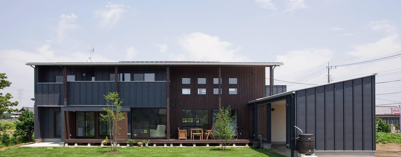 現代房屋設計點子、靈感 & 圖片 根據 空間設計室/kukanarchi 現代風