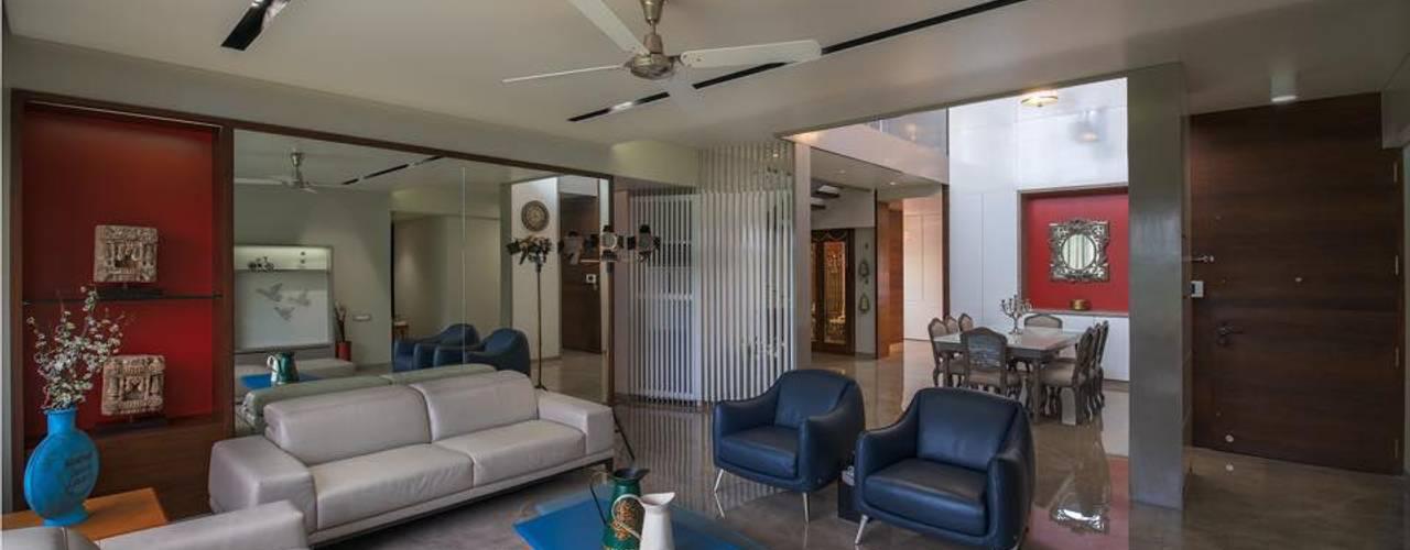 Lunavat residence Modern living room by Archtype Modern