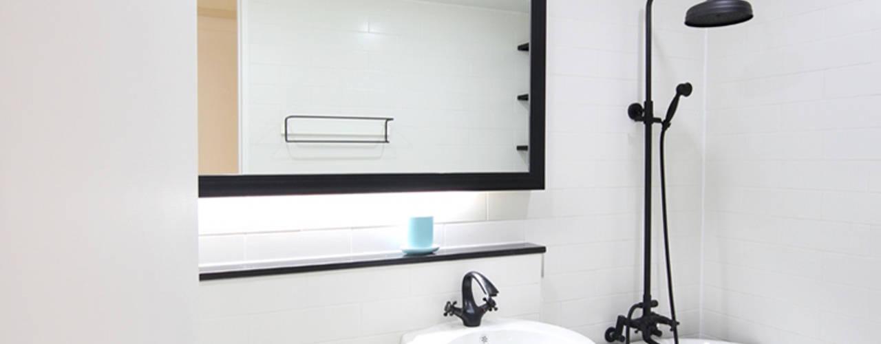 프렌치모던, 취향 저격의 40평 신혼집 인테리어 스칸디나비아 욕실 by 로하디자인 북유럽