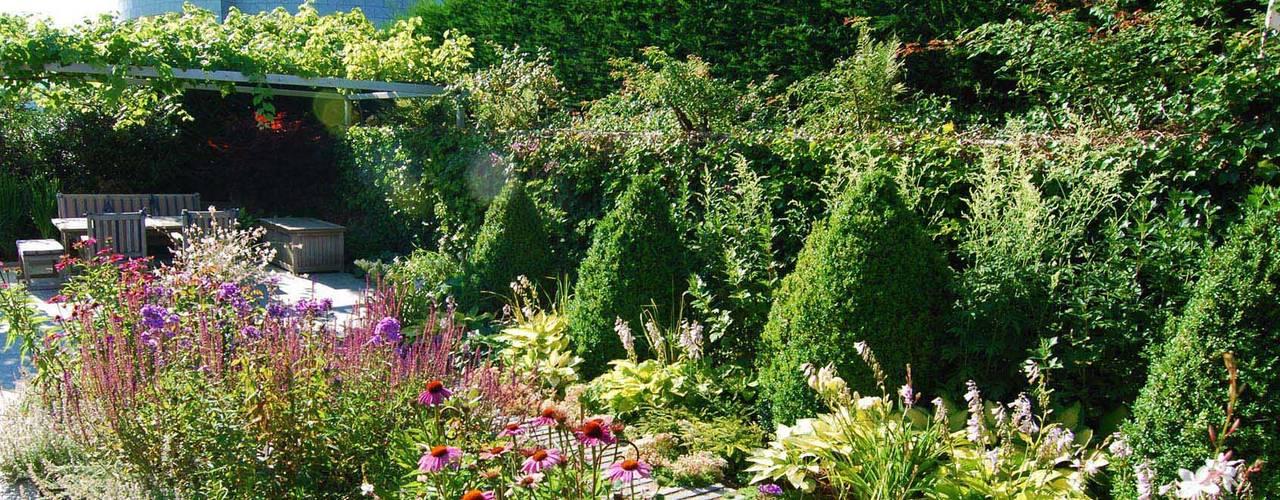 Jardines de estilo  por Lustenberger Schelling Landschaftsarchitektur