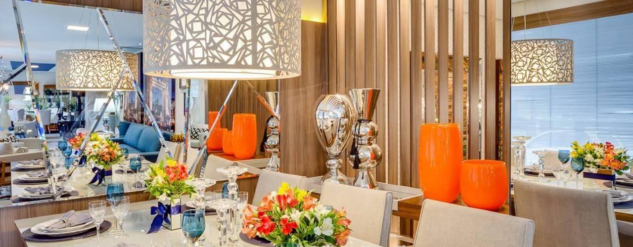 Moderne eetkamers van Ideatto Móveis e Decorações Modern