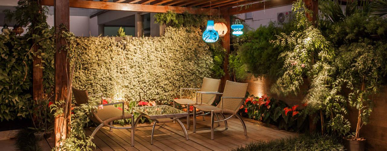 Projeto Balcones y terrazas de estilo moderno de Heloisa Titan Arquitetura Moderno