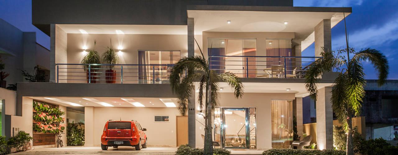 Houses by Heloisa Titan Arquitetura