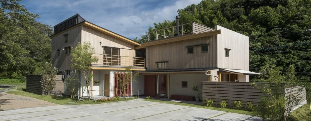 บ้านและที่อยู่อาศัย by AMI ENVIRONMENT DESIGN/アミ環境デザイン