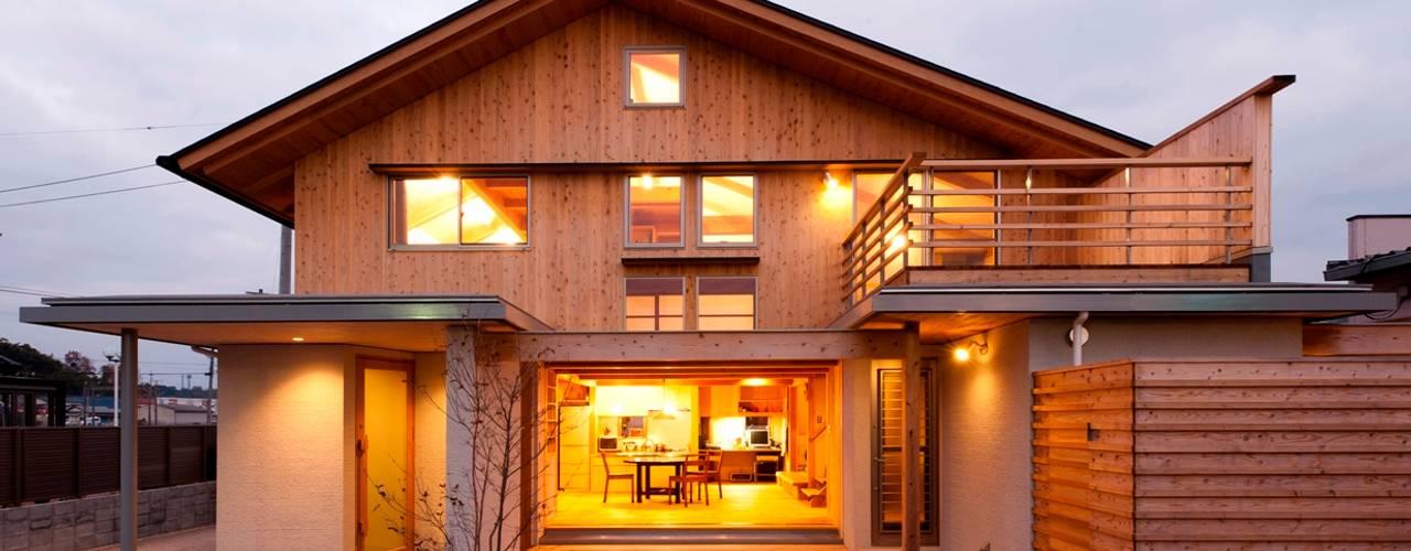 Casas de estilo  por AMI ENVIRONMENT DESIGN/アミ環境デザイン, Asiático