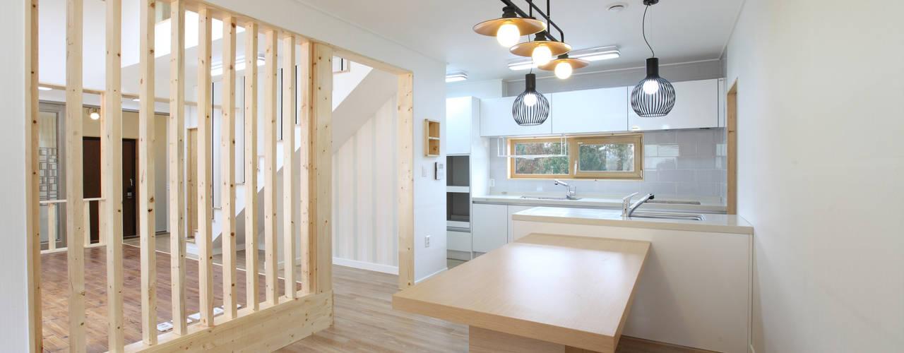 주택설계전문 디자인그룹 홈스타일토토が手掛けたキッチン