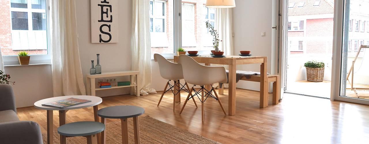 Salas de jantar  por Karin Armbrust - Home Staging,