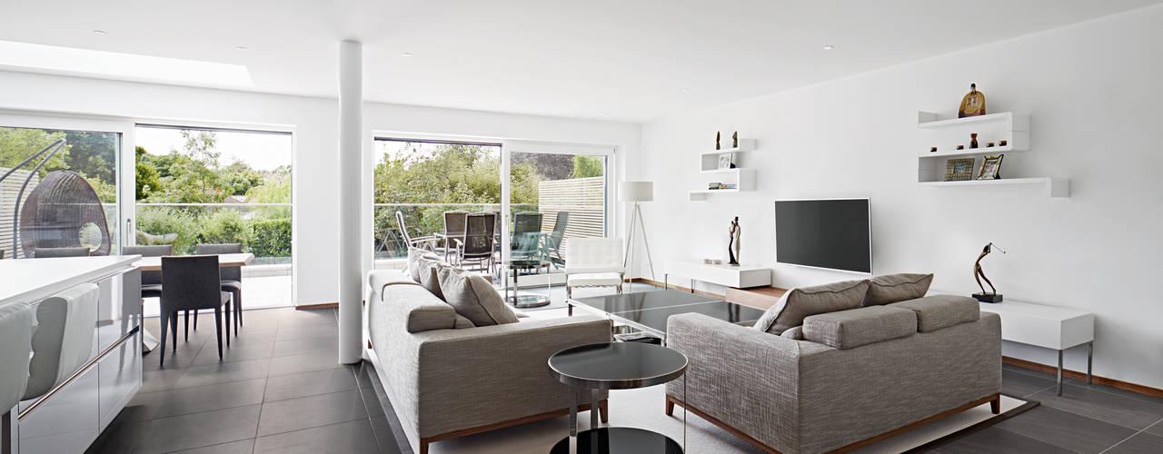 Urban Home Imagine Modern living room by Baufritz (UK) Ltd. Modern