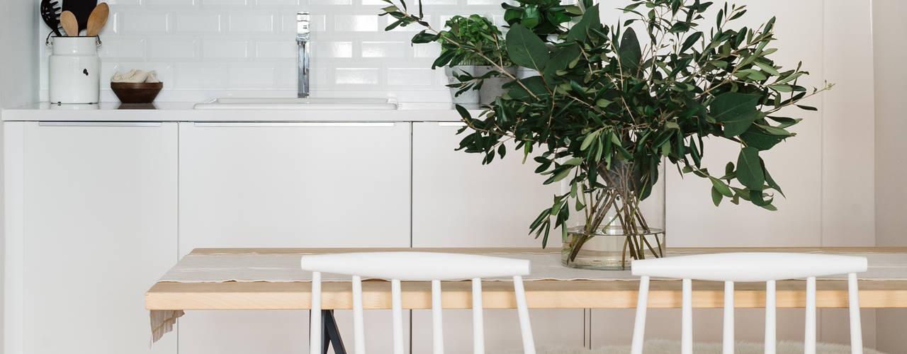 Nhà bếp phong cách hiện đại bởi Architect Your Home Hiện đại