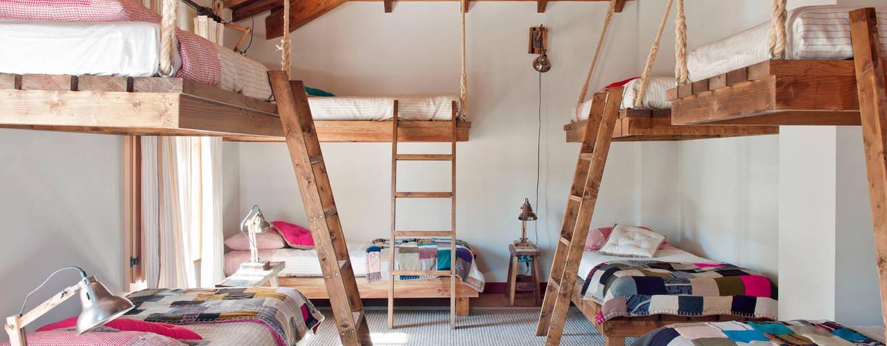 Dormitorios infantiles de estilo  por SA&V - SAARANHA&VASCONCELOS