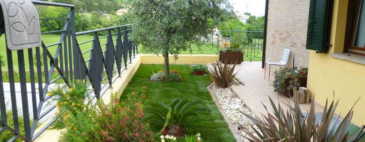 Сады в . Автор – Studio Botanico Ventrone Dr. Fulvio, Модерн