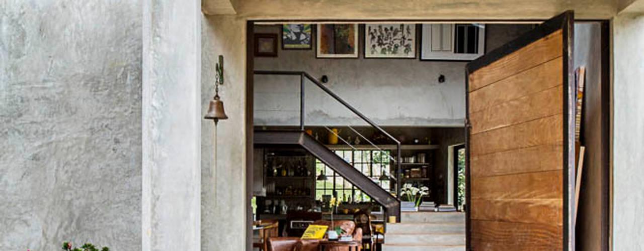 Carlos Salles Arquitetura e Interiores Fenêtres & Portes modernes