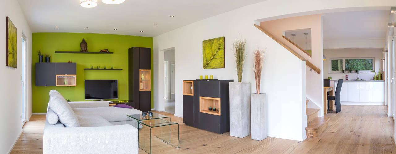 Musterhaus Bad Vilbel โดย Licht-Design Skapetze GmbH & Co. KG โมเดิร์น