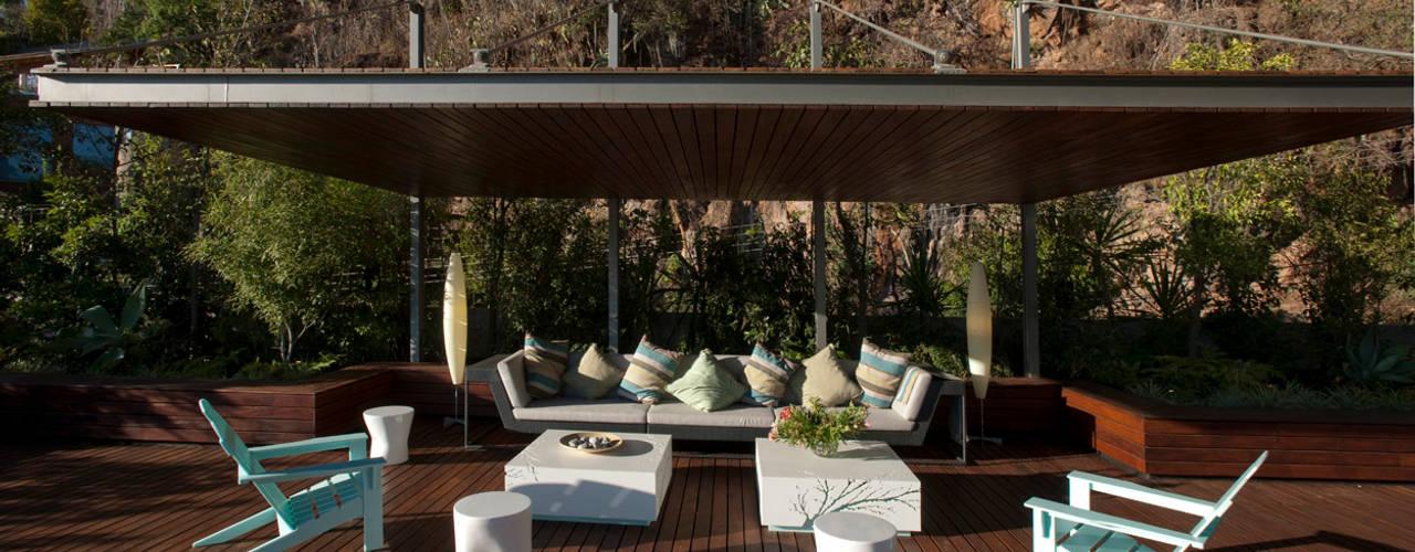 Varandas, alpendres e terraços modernos por Serrano Monjaraz Arquitectos Moderno