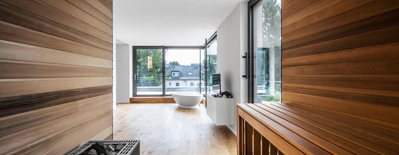 Modern Spa by Corneille Uedingslohmann Architekten Modern