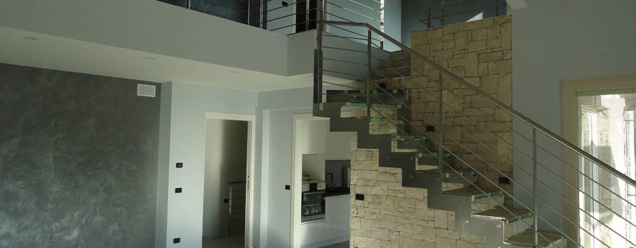 Corridor & hallway by homify, Rustic