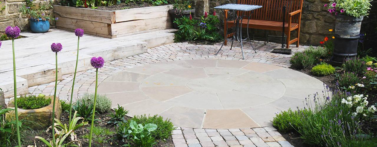 Contemporary Cottage Garden Jardines de estilo rústico de Yorkshire Gardens Rústico