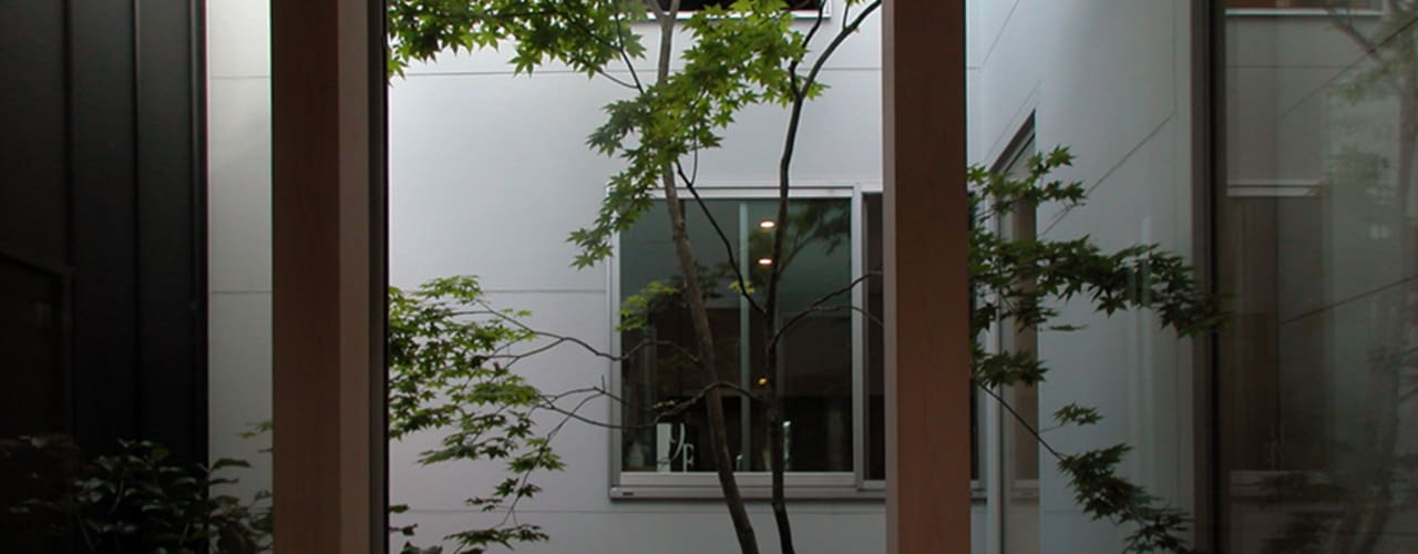 C-HOUSE: 株式会社長野聖二建築設計處が手掛けた庭です。