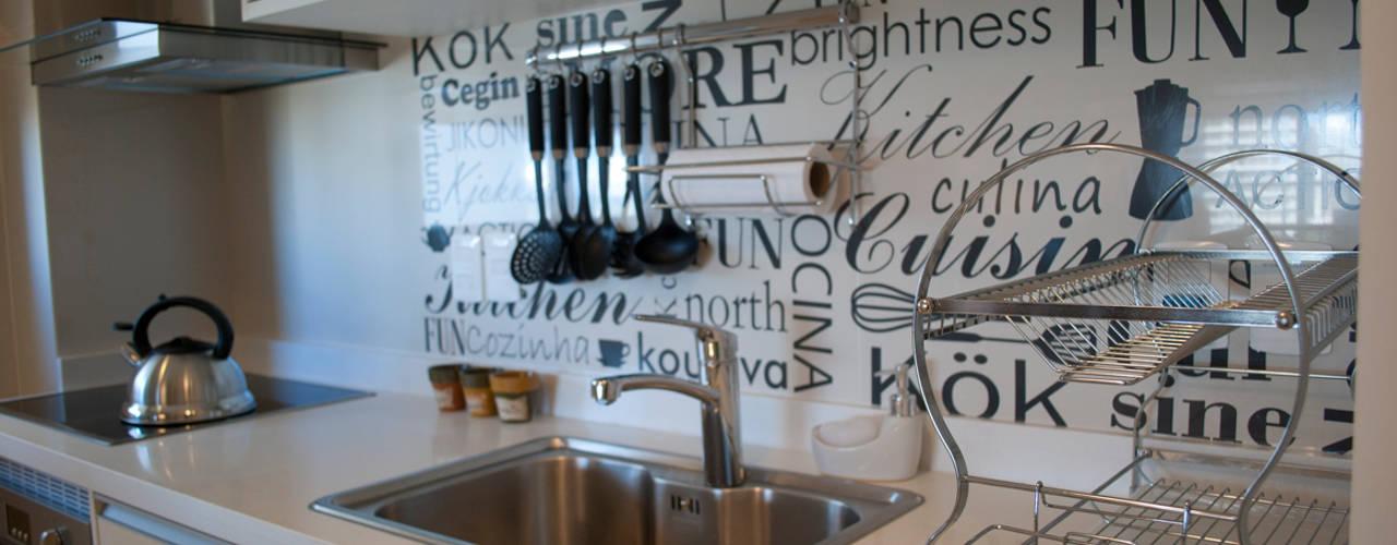 Departamento en Punta del Este - Torres Miami Br. Cocinas eclécticas de Diseñadora Lucia Casanova Ecléctico