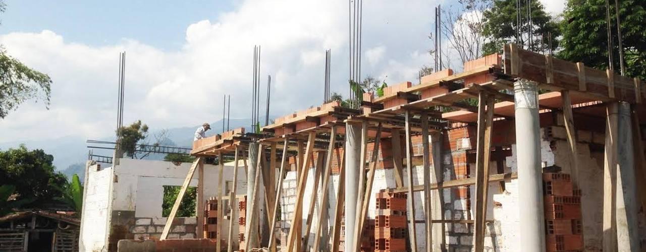 PROYECTO TAMESIS - ANTIOQUIA. Casas de estilo rural de NIVEL SUPERIOR taller de arquitectura Rural
