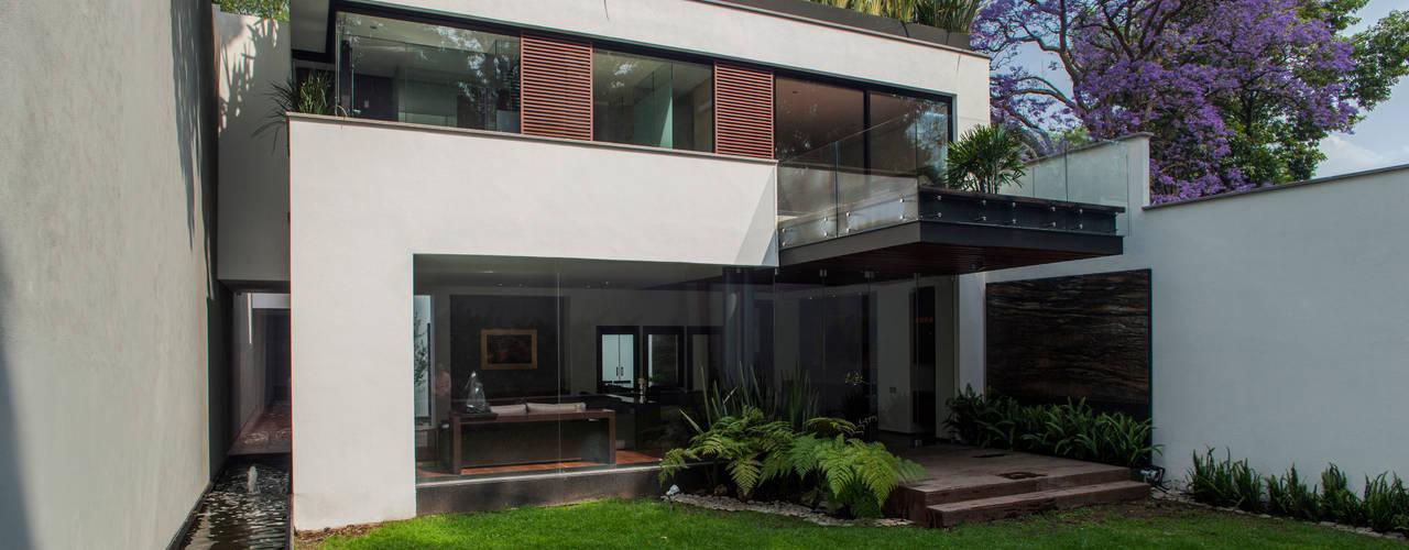 Casas de estilo  por Almazan y Arquitectos Asociados