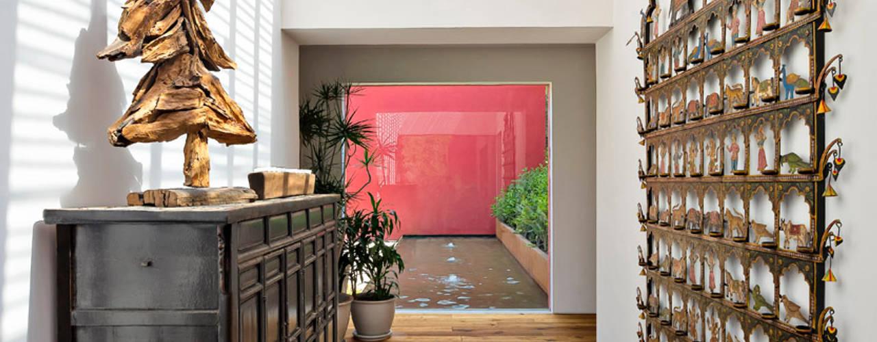 Hành lang, sảnh & cầu thang phong cách hiện đại bởi Lopez Duplan Arquitectos Hiện đại