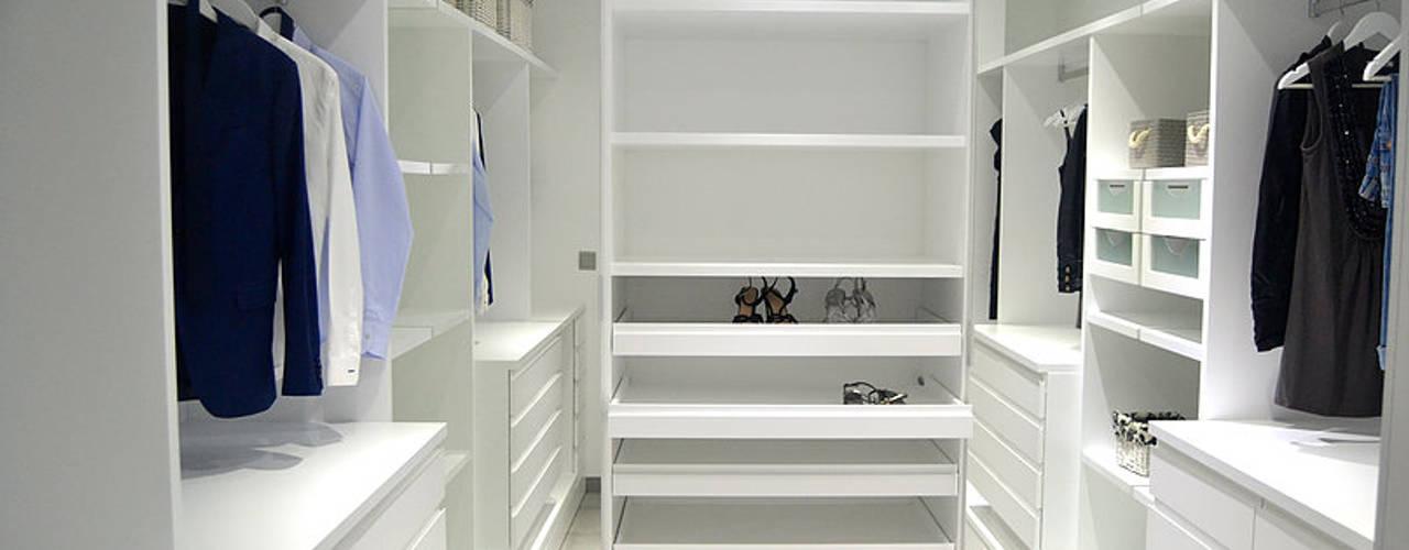Moderne kleedkamers van AG arquitectura Gorris Modern