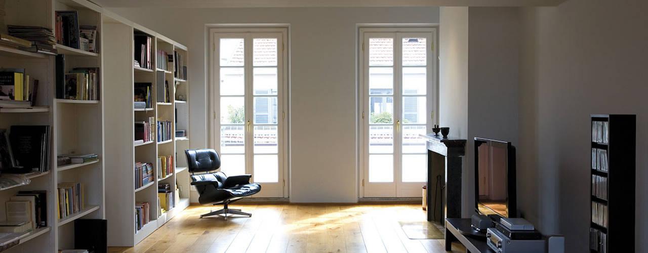 Penthouse in legno: Soggiorno in stile  di PAZdesign