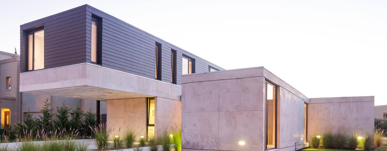 Vivienda Unifamiliar Casas modernas: Ideas, imágenes y decoración de ACArqs Moderno