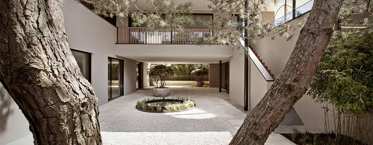 Casas estilo moderno: ideas, arquitectura e imágenes de homify Moderno