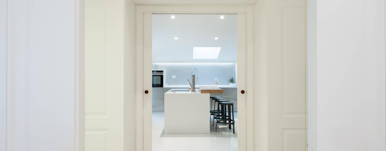 Cozinhas modernas por ZETAE Studio