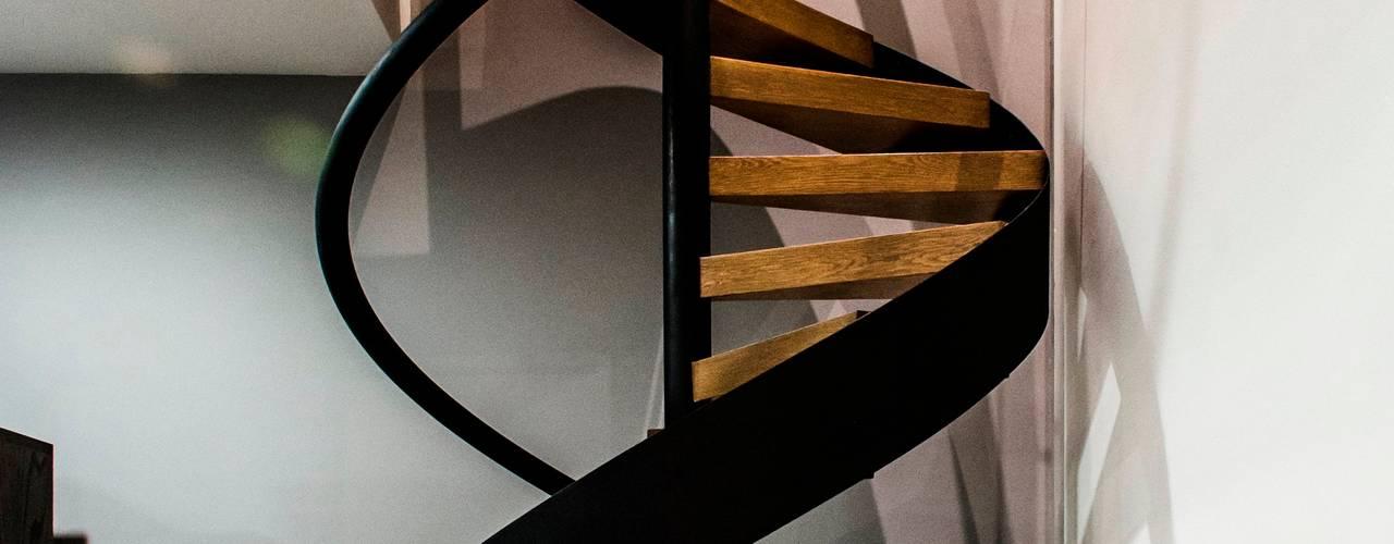 Projekty,  Korytarz, przedpokój zaprojektowane przez BAG arquitectura