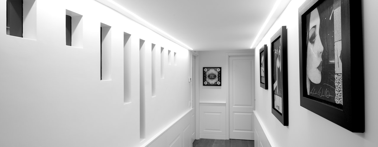 Couloir et hall d'entrée de style  par Mario Ferrara,