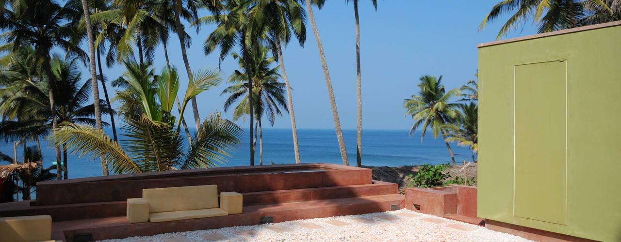 View of western side looking towards beach:  Houses by GDKdesigns