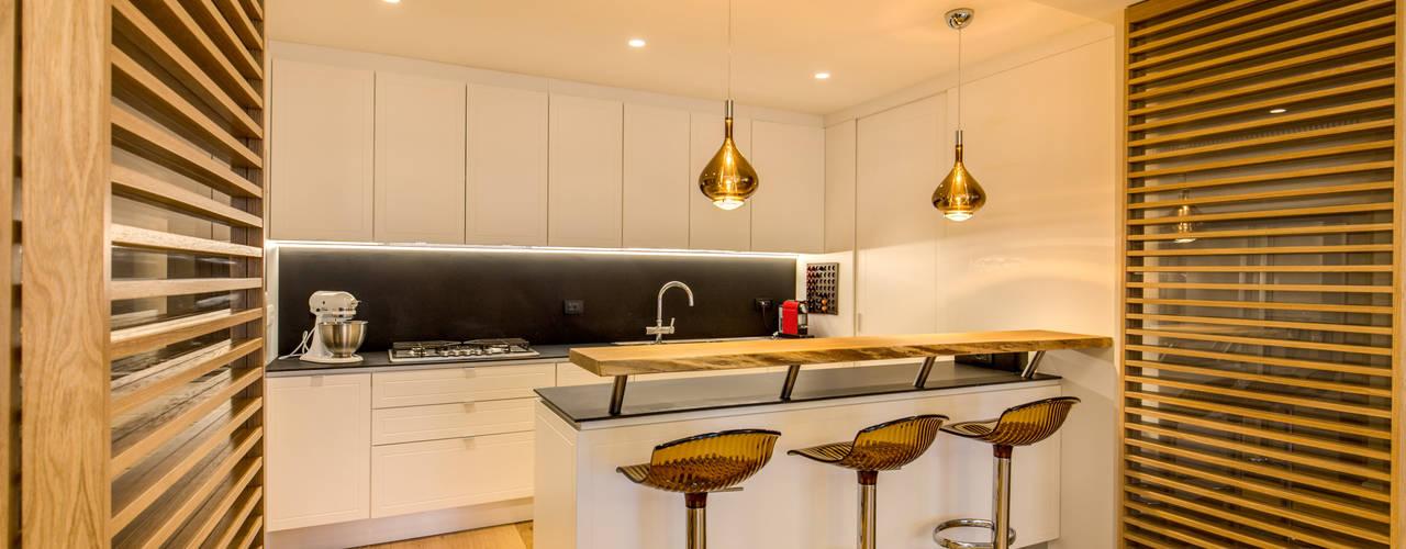 Cocinas de estilo  por MOB ARCHITECTS, Moderno