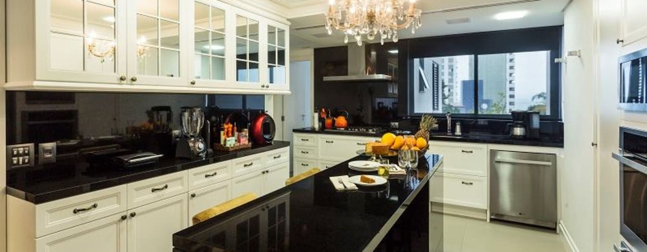 クラシックデザインの キッチン の Flavia Guglielmi Arquitetura クラシック