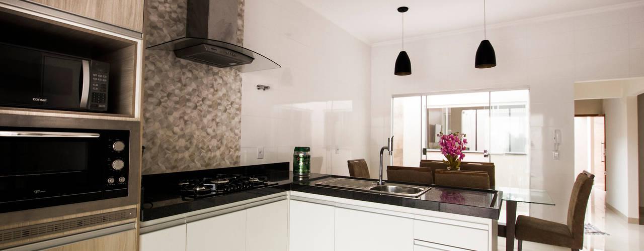 Cocinas de estilo moderno de Arch & Design Studio Moderno