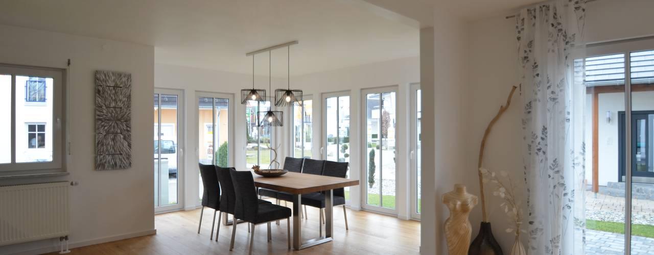 Гостиная в . Автор – Licht-Design Skapetze GmbH & Co. KG