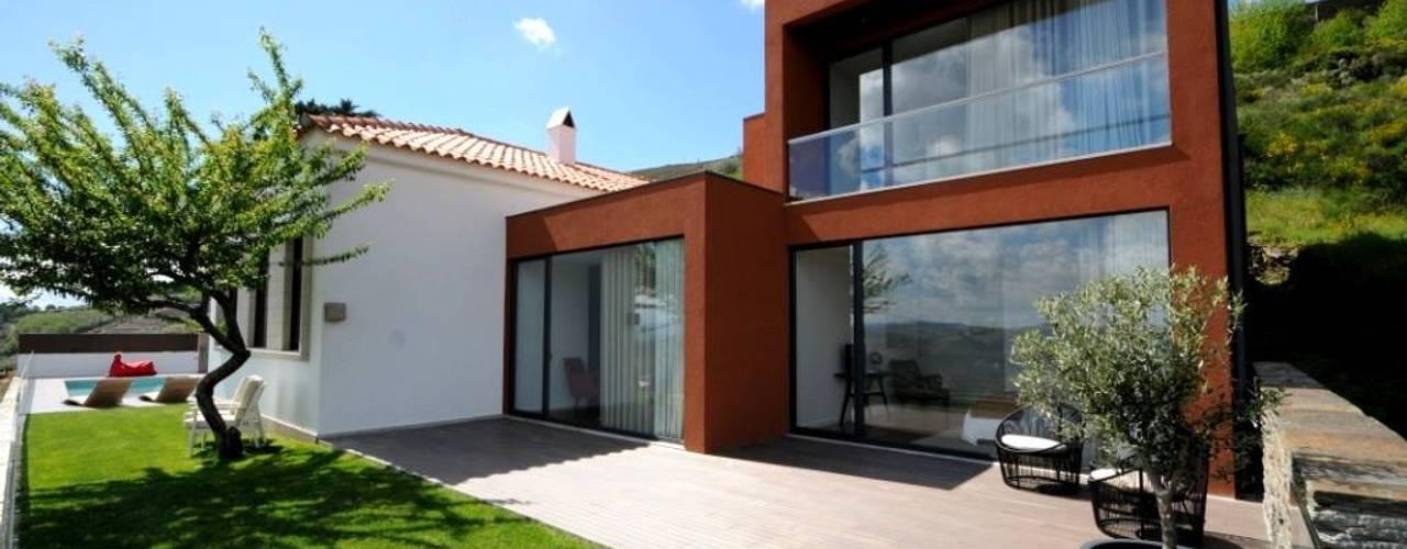 LUGAR DAS LETRAS: Casas  por MH PROJECT