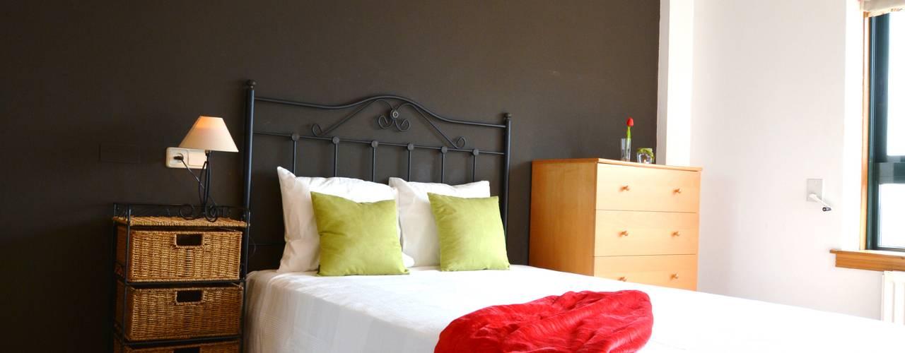 Home Staging vivienda en alquiler:  de estilo  de Ya Home Staging