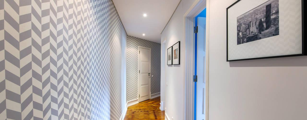 斯堪的納維亞風格的走廊,走廊和樓梯 根據 Espaço Mínimo 北歐風