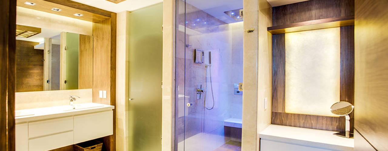 Ванная комната в стиле модерн от Art.chitecture, Taller de Arquitectura e Interiorismo 📍 Cancún, México. Модерн