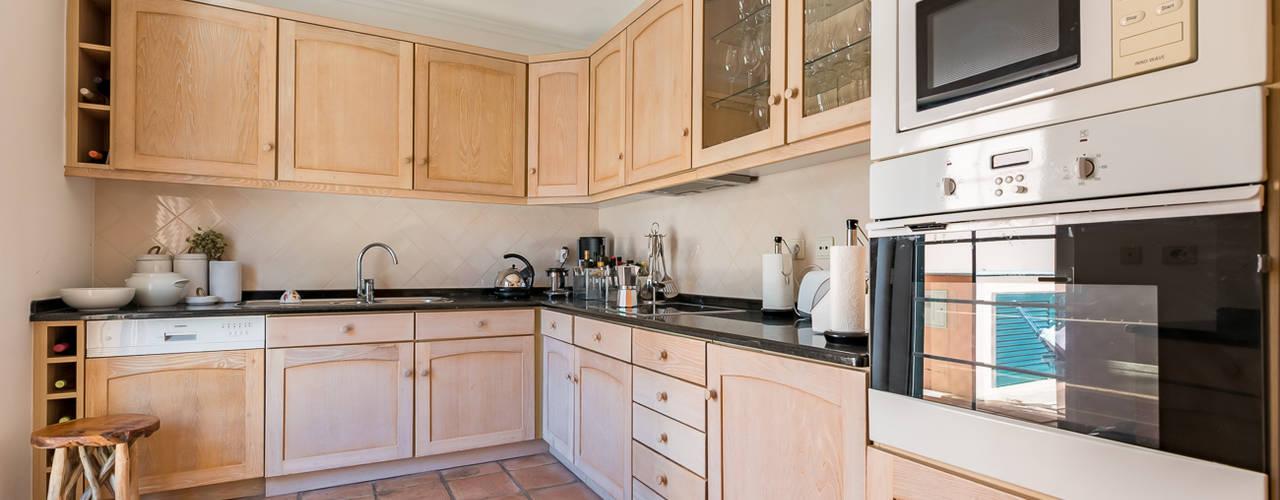 Cozinhas clássicas por homify Clássico